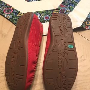 04212e58f0e2 ... slippers sz 7 red. Abeo Shoes - New in box Abeo